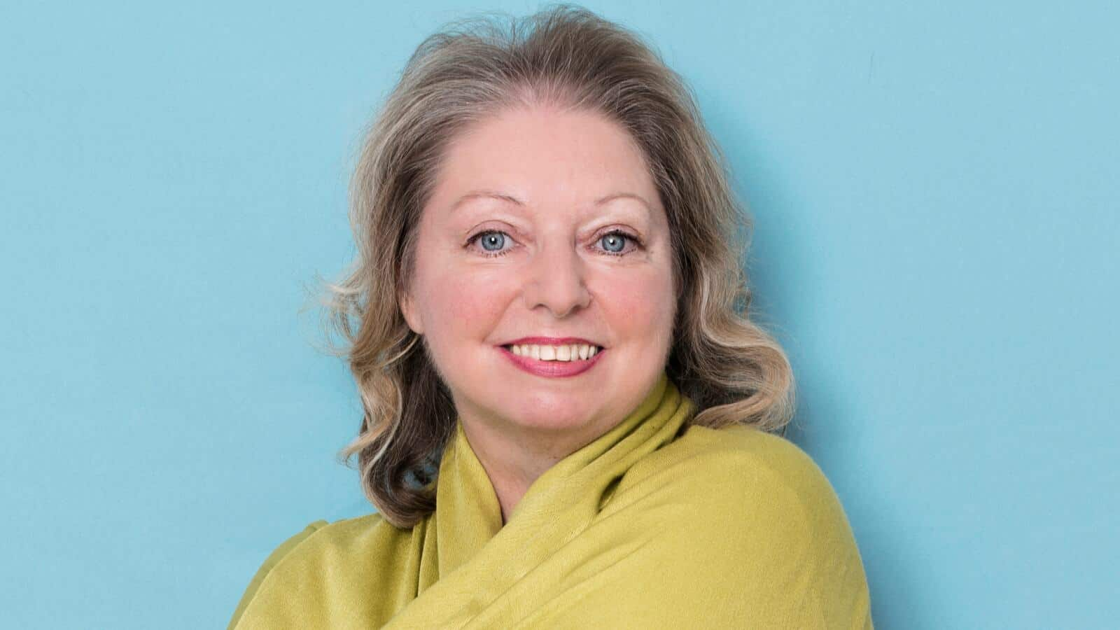 hilary mantel's new book mantel pieces